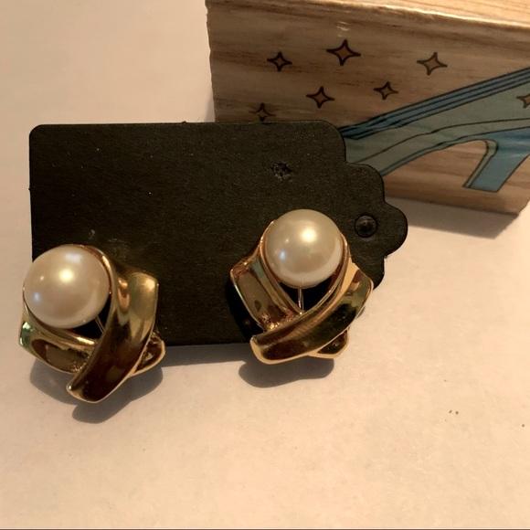 Vintage Screw Back Stud Minimalist Earrings